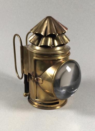 Brass Dark Lantern with Whale oil/Signal oil wicks, ca 1900, https://darklanterntales.wordpress.com/
